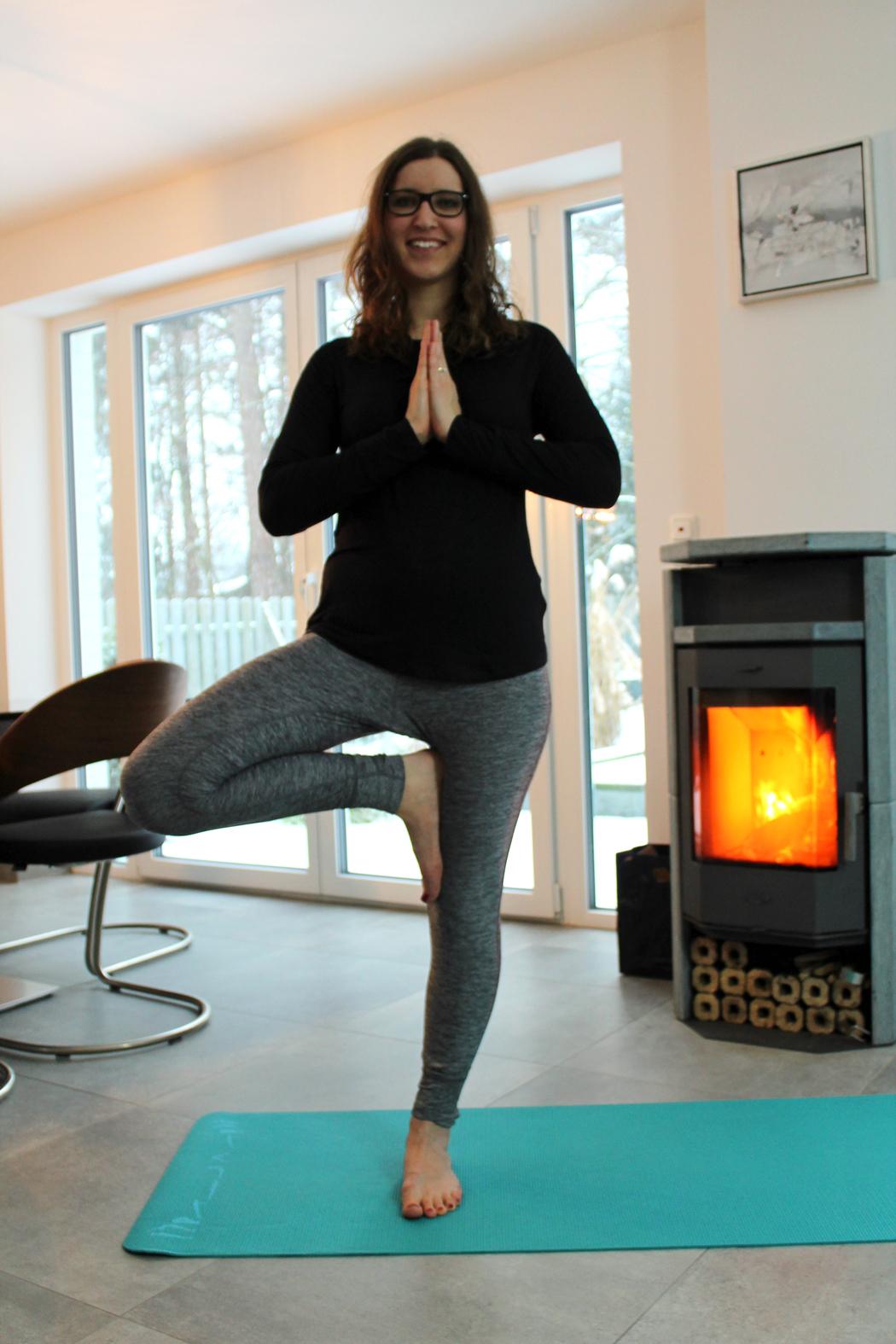 Yoga Baum3