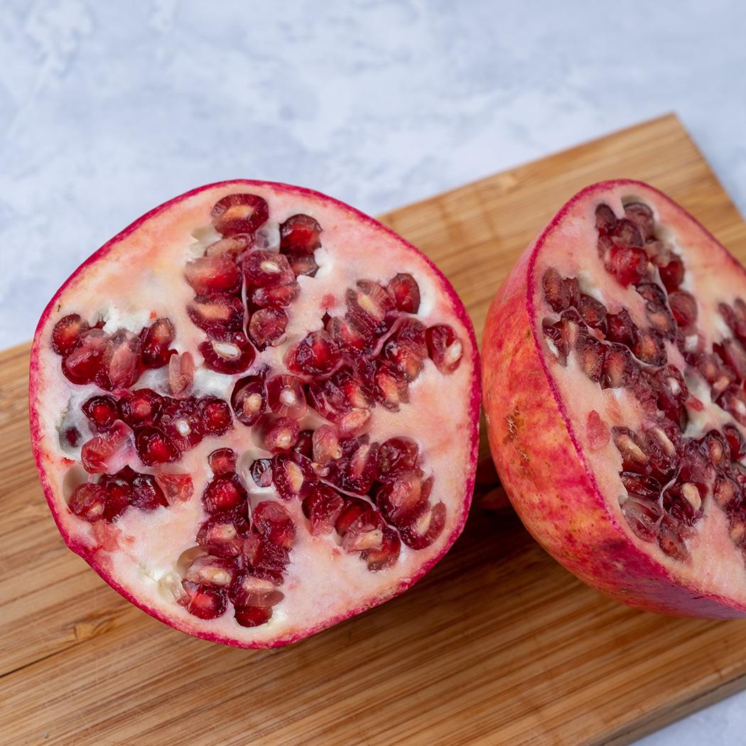 Granatapfel entkernen Schritt 1