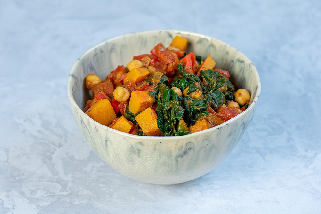 Herbstliches Kürbis Curry mit Spinat und Kichererbsen01