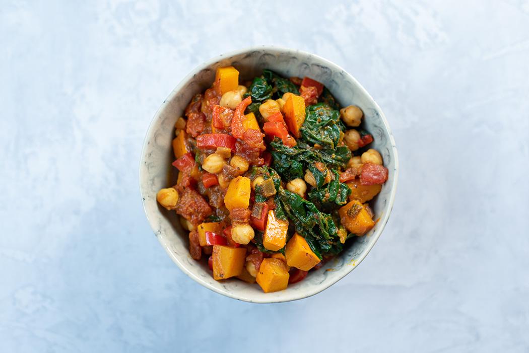 Herbstliches Kürbis Curry mit Spinat und Kichererbsen02