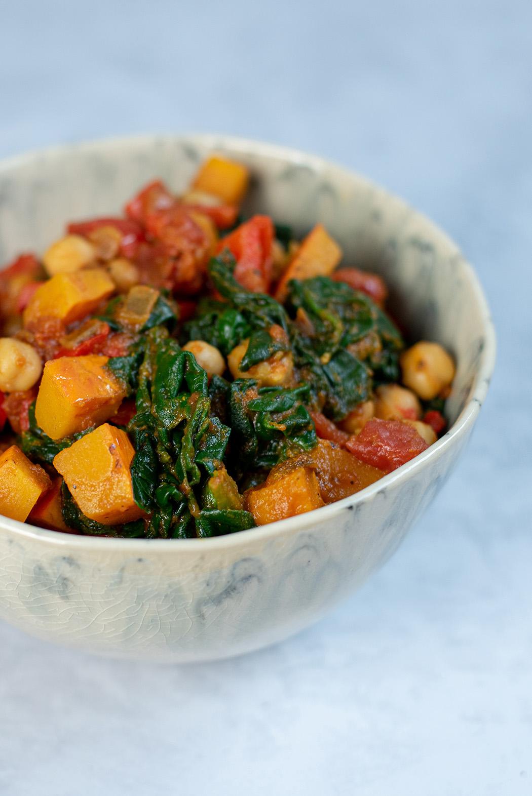 Herbstliches Kürbis Curry mit Spinat und Kichererbsen03
