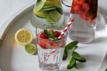 So trinkst du zwei Liter pro Tag - 5 Tipps