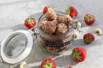 Rezept: Erdbeer-Cashew Energy Balls