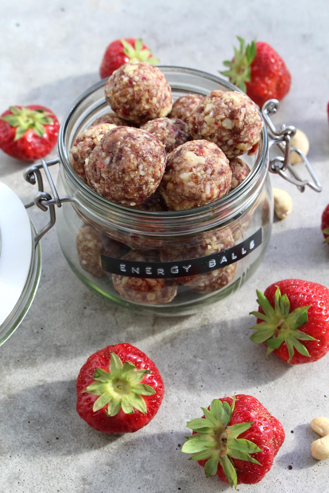 Erdbeer Cashew Energy Balls04