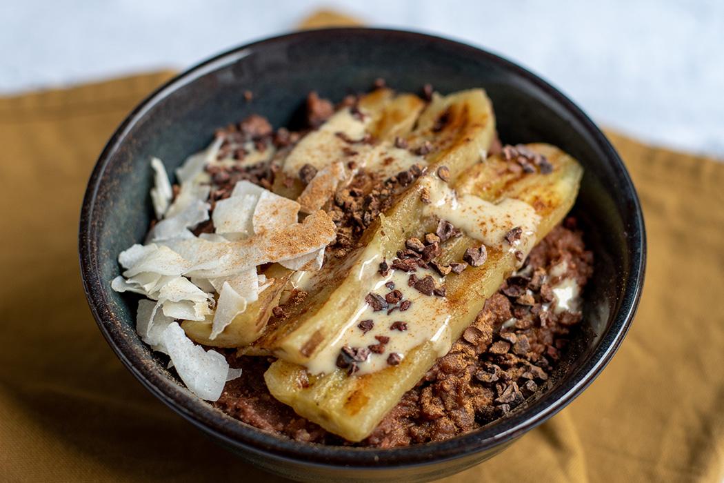 Schoko Buchweizen Porridge mit gebratener Banane01