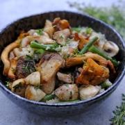 Rezept: Pilzpfanne mit Quinoa und Bohnen