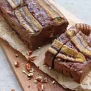 Rezept: Schoko Banana Bread mit Pekannüssen {ohne Zucker & vegan}
