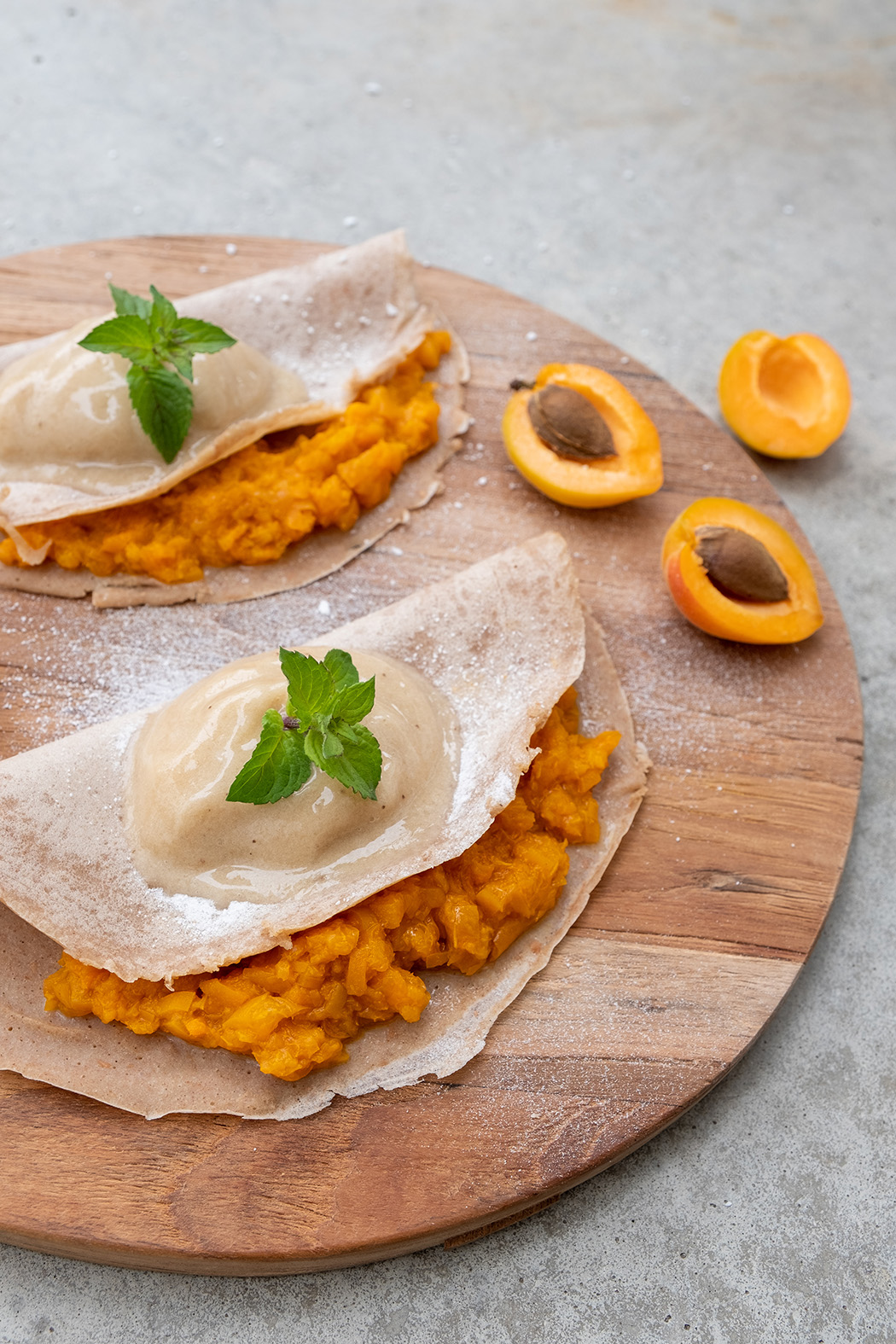 Crêpes mit Aprikosen Kompott und Vanille Nicecream02 1