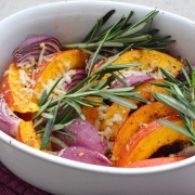 Rezept: Kürbis-Auflauf mit roten Zwiebeln und Rosmarin