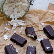 Recipe: Healthy Homemade Bounty + Mounds Bars (Chocolate Coconut)
