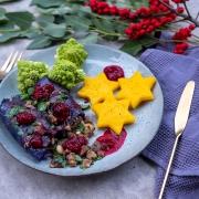 Weihnachtsmenü Hauptgericht: Rotkohl-Rouladen mit Romanesco und Polenta-Sternen – Reste haltbar gemacht mit dem BOSCH ErgoMixx