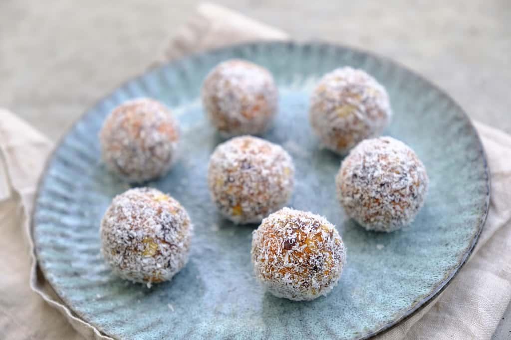 Carrot Cake Energy Balls01