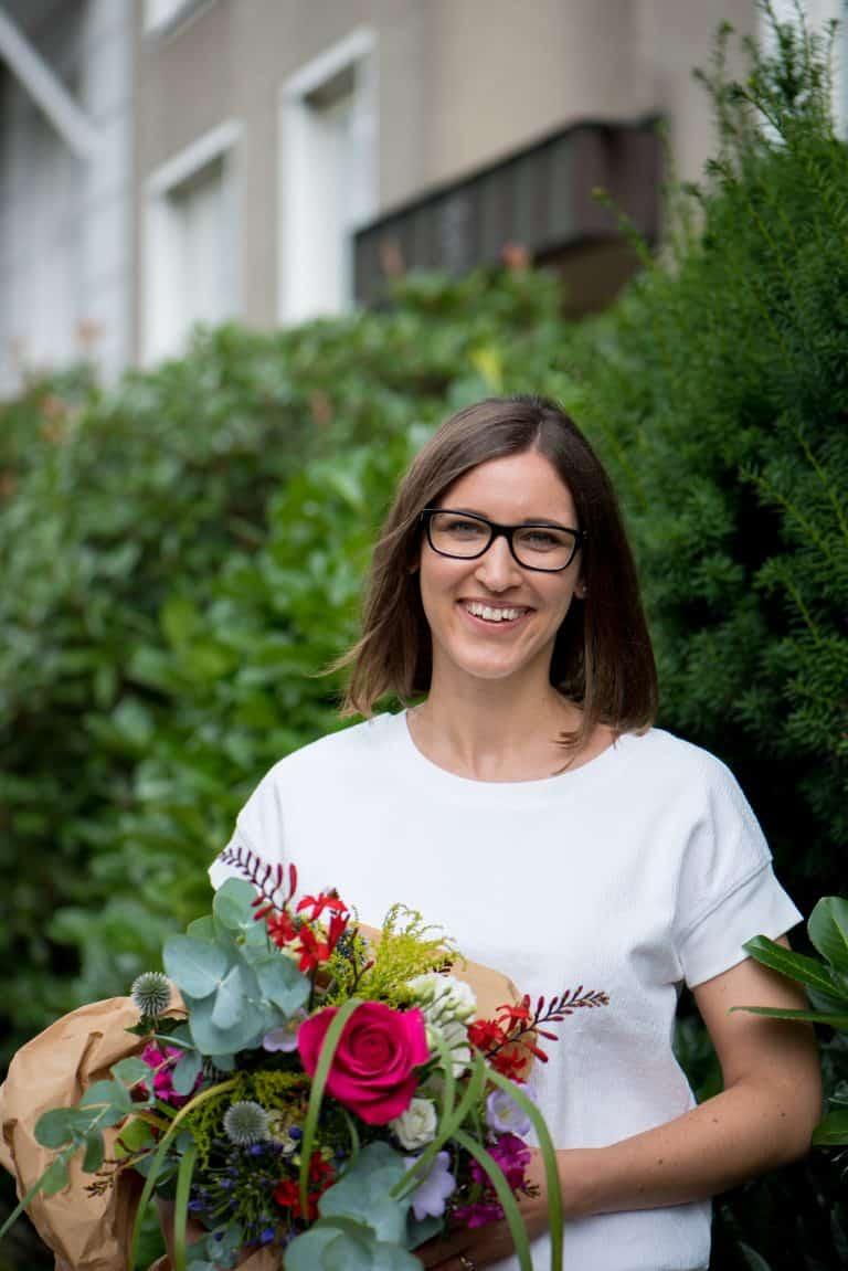 Hannah Frey Caitlin Neitzke 01