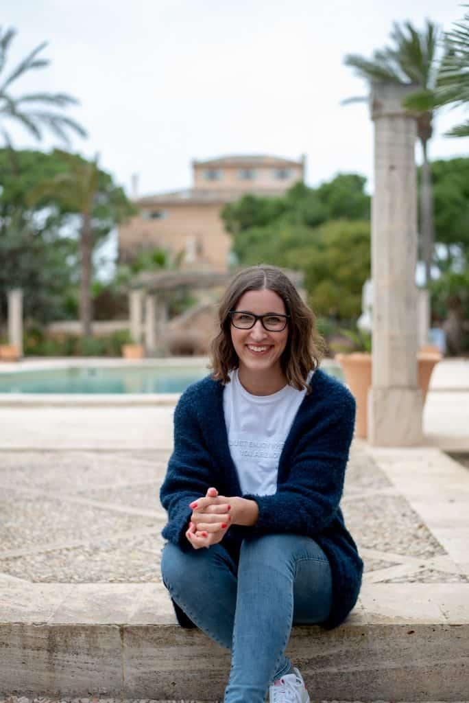 Hannah Frey Caitlin Neitzke 02