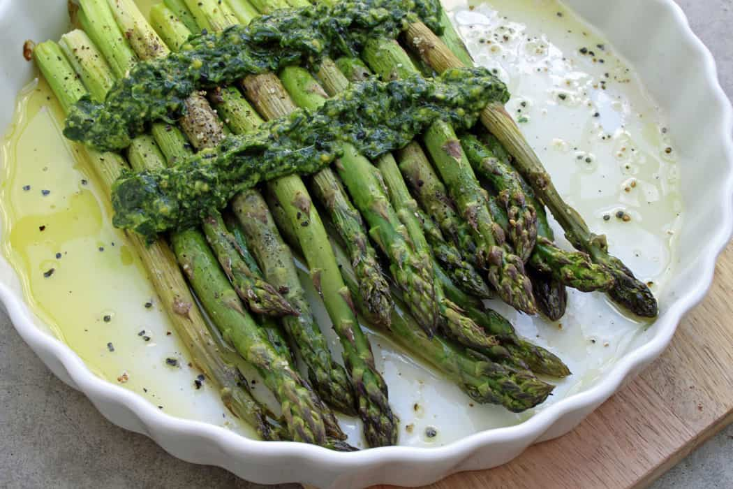 Ofenspargel mit Wildkraeuterpesto1 10