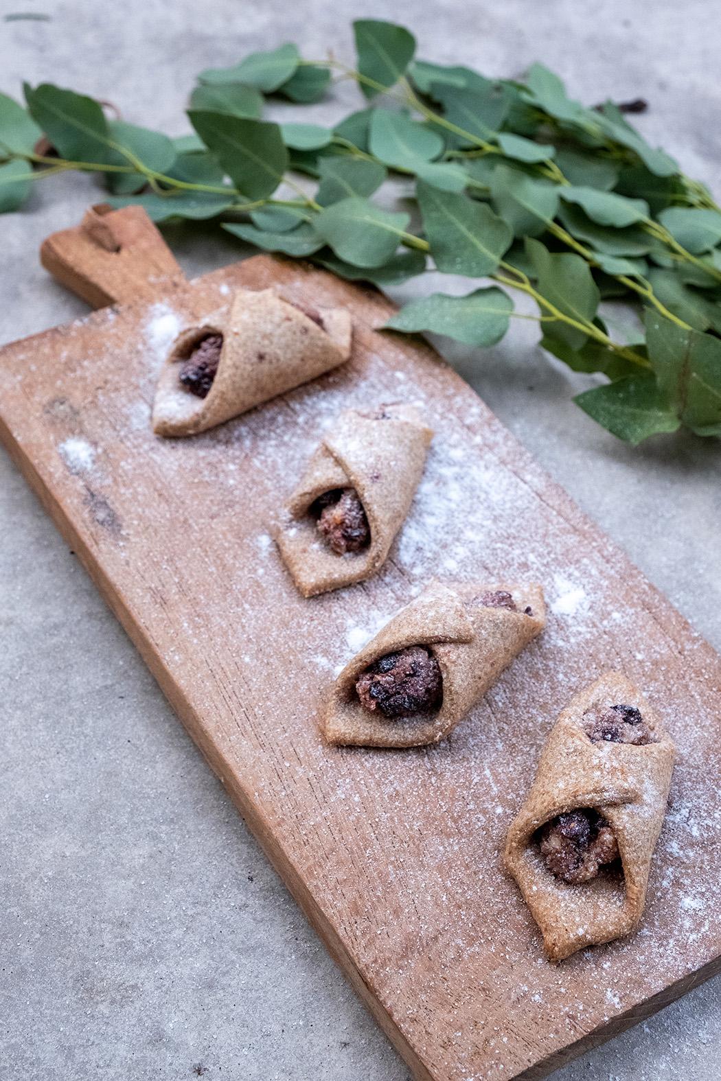 Mandelkekse mit Chia Samen und getrockneten Sauerkirschen02
